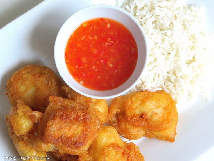 Nachdem ich Euch die Tage ja das Rezept der Thai Sweet Chili Sauce vorgestellt habe, musste ich das ganze Mal mit gebackener Hähnchenbrust ...
