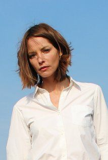 Sienna Guillory. Sienna was born on 16-3-1975 in Kettering, Northamptonshire, England, UK as Sienna Tiggy Guillory. She is an actress, known for Love Actually (2003), Resident Evil: Apocalypse (2004), Resident Evil: Retribution (2012), and Eragon (2006).