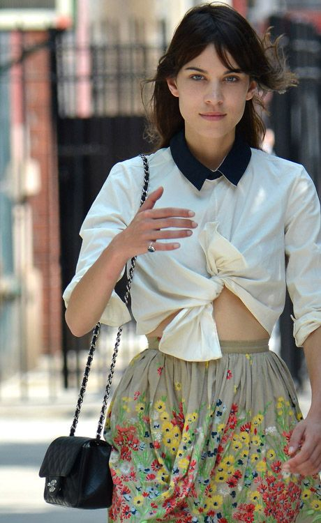 Alexa Chung Chanel Mini Flap Bag https://www.youtube.com/channel/UC11IiO-HirokjiAg-f_suKA checkout my chanel video reviews