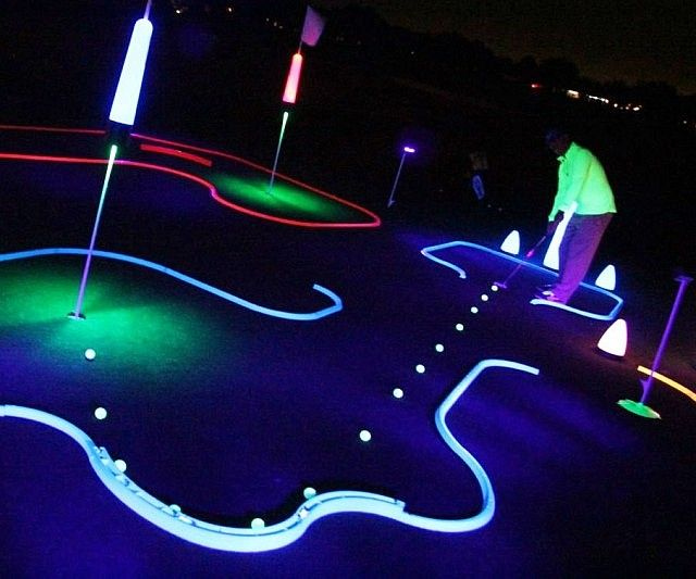 Enjoy a rousing game of put-put even after the sun sets by playing with this glow in the dark mini golf kit. The railings come in four vibrant colors and can be set up in dozens of different designs to increase difficulty and keep the game fresh.