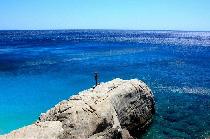 Endless blue of Ikaria island CallGreece.gr