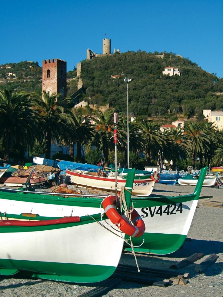 Le barche sulla spiaggia di Noli, Savona, Liguria - © Roberto Merlo, Province of Savona, Liguria region Italy