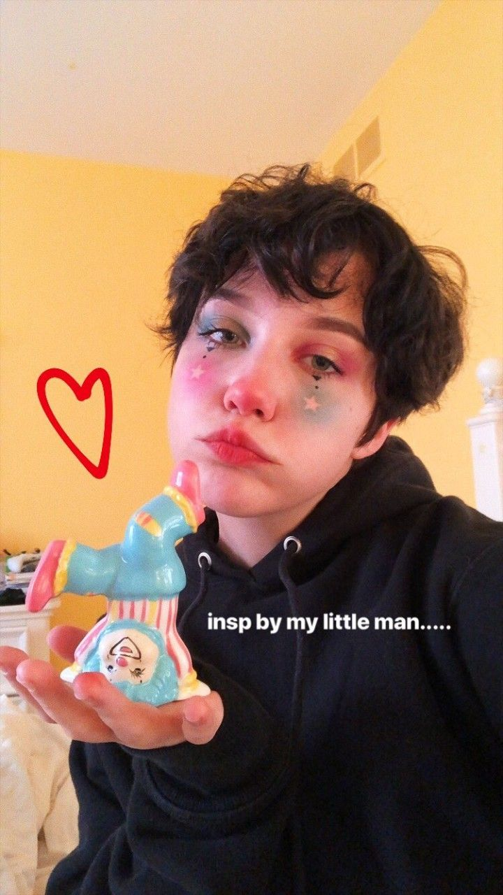 Pin By Sarah Kelly On Chloe Moriondo In 2019 Cute Clown