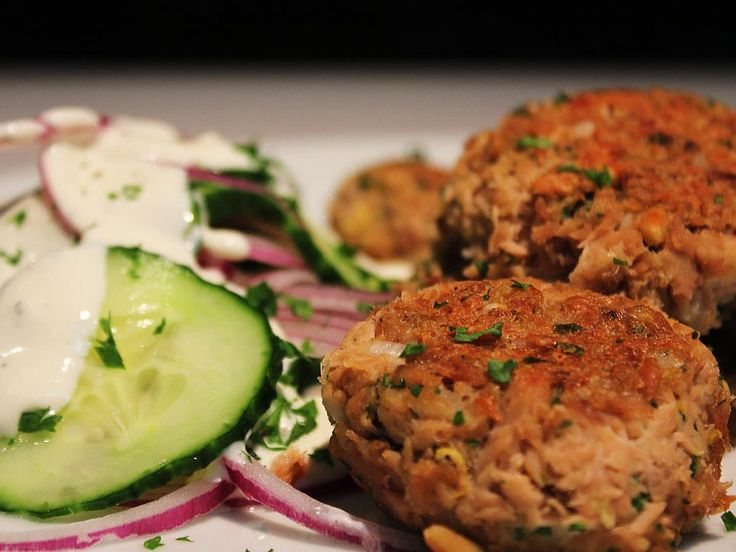 Tuna+Balls+&+Cucumber+Salad
