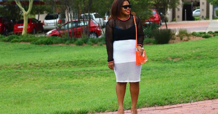 Two clothing items that your momma wouldn't necessarily approve... Peep full #OOTD and deets currently still on #FromHeadToHeels | >> http://fromheadtoheels.blogspot.com/2016/03/outfit-unexpected-pairing.html https://plus.google.com/+NkemdilimOranye/posts/QpHusf46pCV