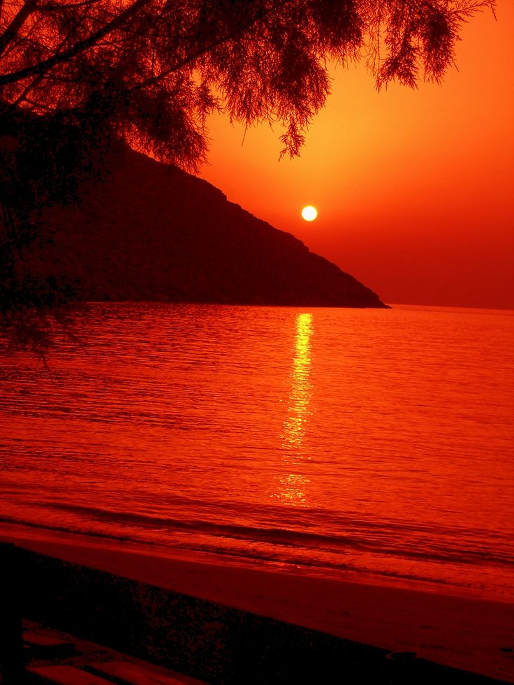 Sunset at Episkopi beach in Kythnos island, Cyclades, Greece. - Selected by www.oiamansion.com
