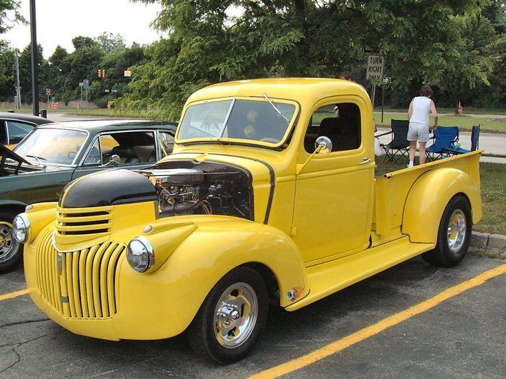 1941 Chevrolet Custom Pickup Yellow Frt Qtr  Bennigan s Car Show  F  ATM