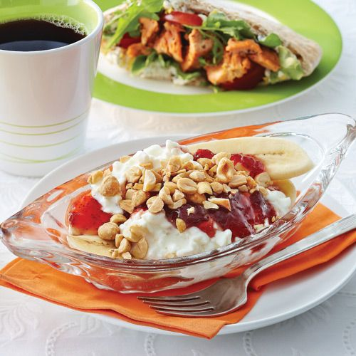Breakfast Banana Splits - Clean Eating - Going to try out this recipe this week- dessert for breakfast!