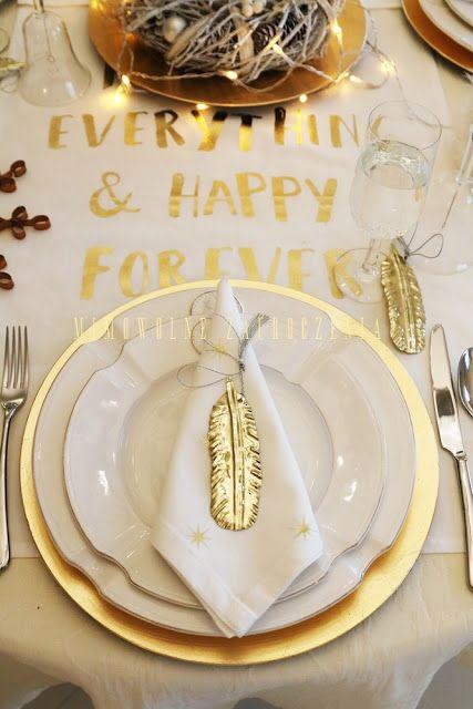 Świąteczny stół, Mimowolne Zauroczenia Elegant gold holiday dining room decorations