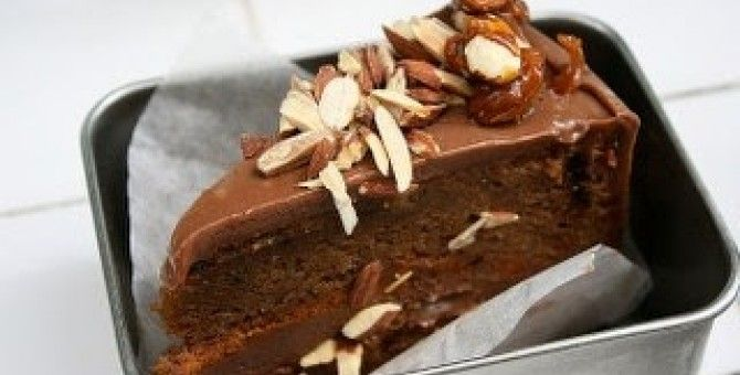 almond cake chocolate cake recipe is easy and deliciousmaterial