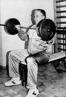 Augusto Pinochet doing weightlifting