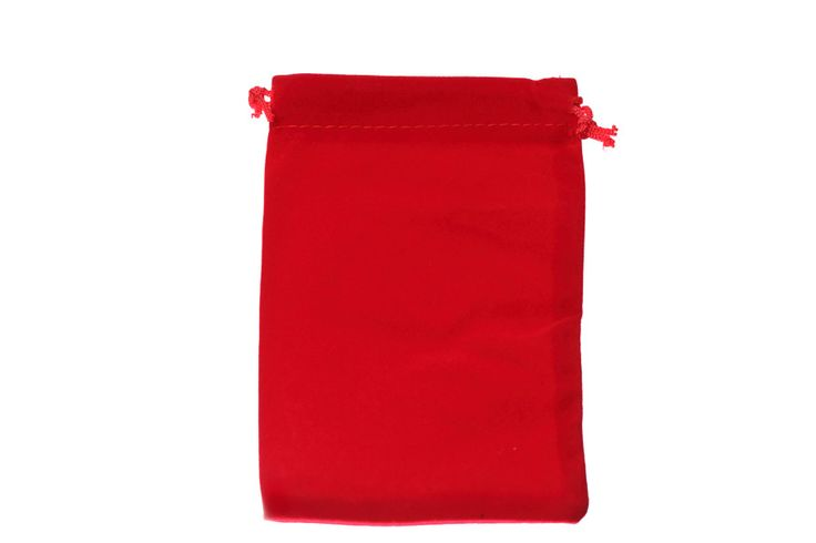 Large red velvet bags. Dimensions approximately 10cm x 15cm. These velvet bags are the largest in our range. Suitable for all types of jewellery and small products. visit our site at www.blingin.com.au to place your order.
