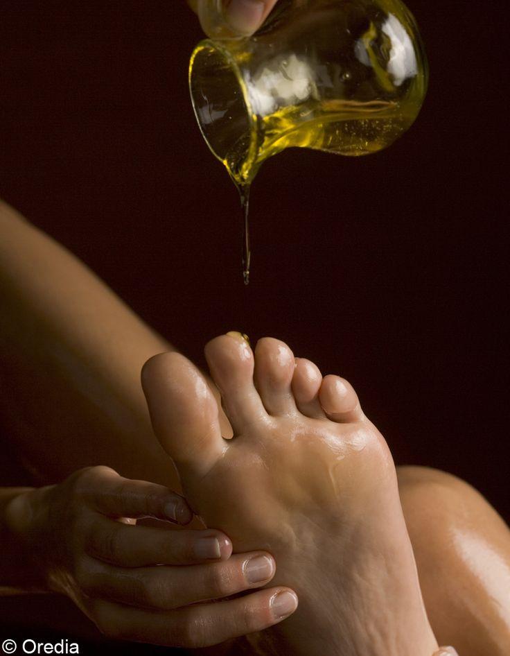 Recette d'Olivier Coumes: Soin pour pieds secsAvoir de beaux pieds et doux comme ceux d'un bébé, c'est possible, il faut juste leur offrir tout l'été le soin nécessaire pour éviter les crevasses, les fissures et la déshydratation !  Les ingrédients qu'il me faut :- du sel fin...