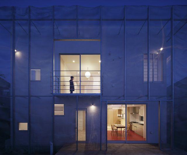 建築のみならずアートやプロダクトデザインなど、国内外のさまざまなフィールドでめきめきと頭角を表している建築家・佐野文彦氏。彼の手が生み出す作品は、朝日の差し込…
