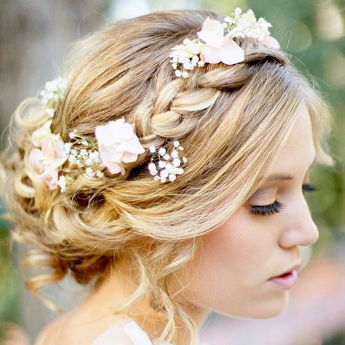 Wedding season is in full swing! Call us at 206-395-2060 to book an appointment for yours or your loved one's big day!