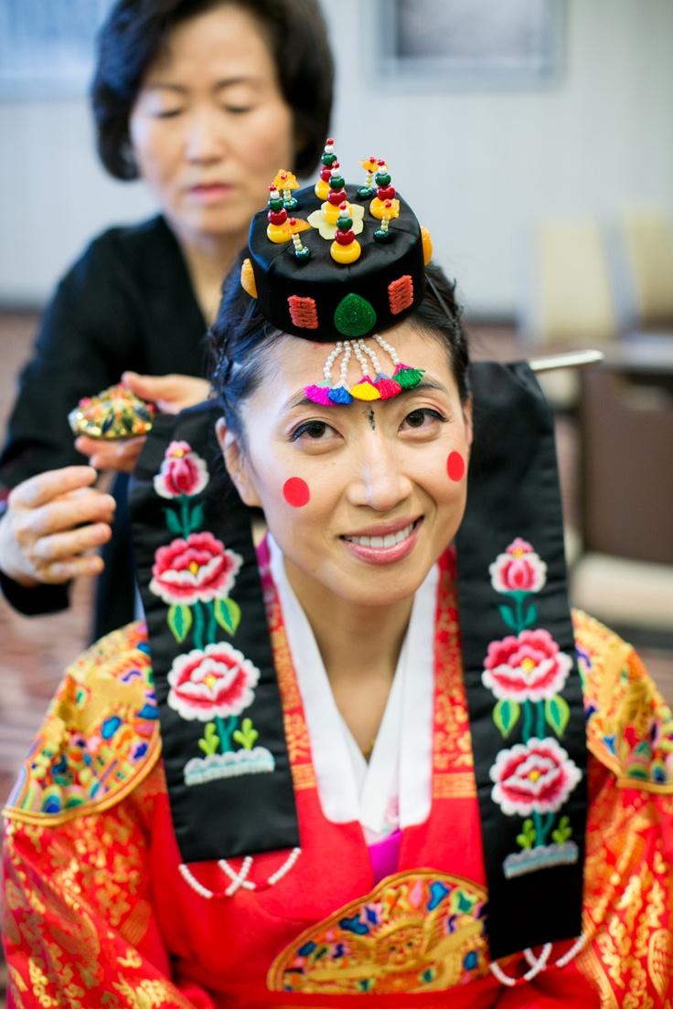 For more wedding INFO contact www.piperstudios.com (905) 265-1555Korean bride - Eun Ju & Shawn's Indian Korean Wedding Tea Ceremony. #혼례식 #전통혼례 #신부 #Toronto #Piperstudios #notmine #photography #videography #Korean #Koreanwedding #traditional #Formal #Wedding #bridal #hanbok #bride #royal #royalwedding #lovely