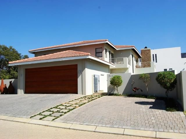 Beautiful and amazing well designed architecture 4 bedroom Family House for sale in Homes Haven - Swimming pool for awesome summers and a great garden!
