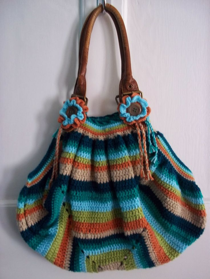Beautiful giant granny square bag. Tutorial