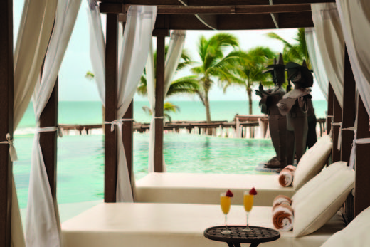 We know your prefer your drinks poolside in Cancun so pair your private cabana with cocktails and enjoy. Our beachfront resort offers cushioned lounges and canopied shaded beds for the ultimate all-inclusive relaxation in Mexico. | Hyatt Zilara Cancun