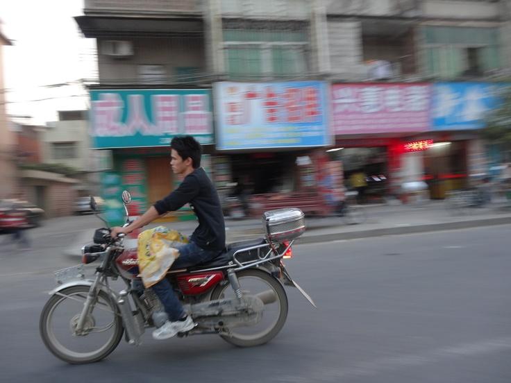 Motorista en Huidong.