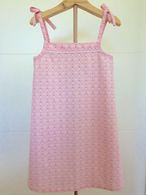 die besten 25 rosa kleider ideen auf pinterest pink pinke schuhe und neonoutfits. Black Bedroom Furniture Sets. Home Design Ideas
