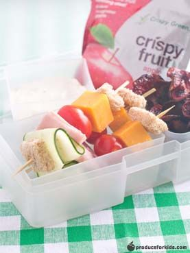 Sandwich Kebobs Bento Box - This easy bento box is a new spin on your favorite sandwich and chips lunch. Kids will love the fun sandwich kebobs and these homemade beet chips are much healthier than bagged potato chips! #PowerYourLunchbox @produceforkids