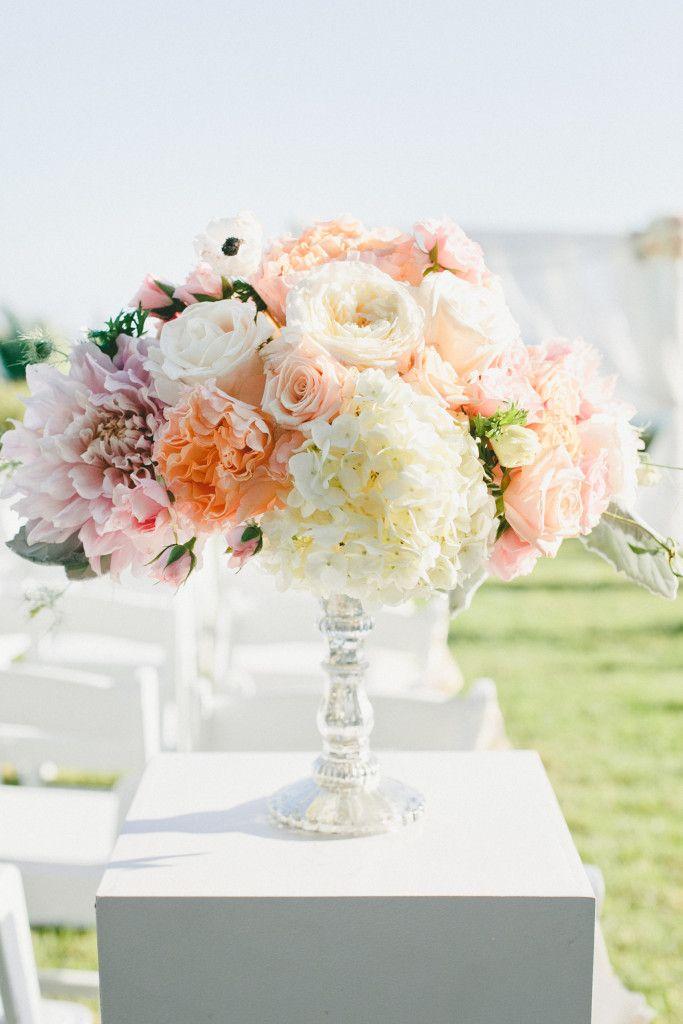 Posh Peony   Belair Bay Club: Peaches and Cream Perfection   Peach and Cream Wedding Design http://poshpeony.com
