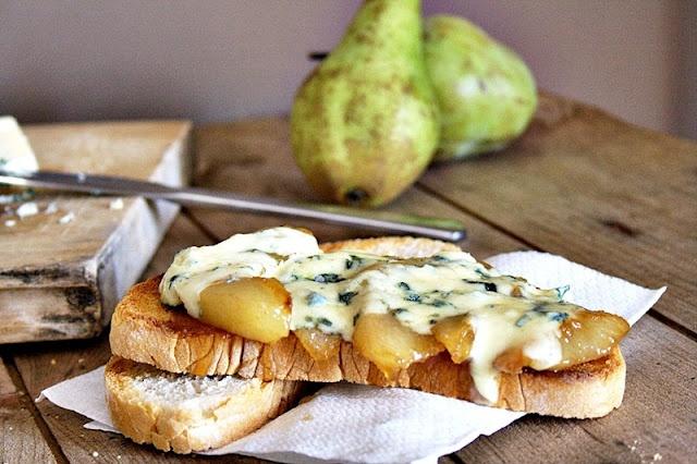 Caramelized pears and blue cheese toastsFormatge Blau, Sandwiches, Pere Caramel Litzad, Caramel Litzad Ambs, Entrepà Obert, De Pere, Ambs Formatge, Obert De