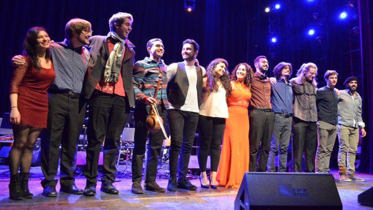 Gazete Duvar ///  Aynur Doğan: 'Kürt müziği fantezi değil gerçek hikâyelerin ürünü!'