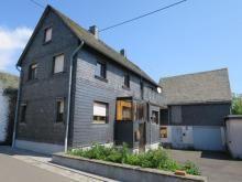 PROVISIONSFREI! Kaufen statt mieten EFH mit Nebengebäude (ehem. Scheune) und Garten in Hauroth Haus kaufen