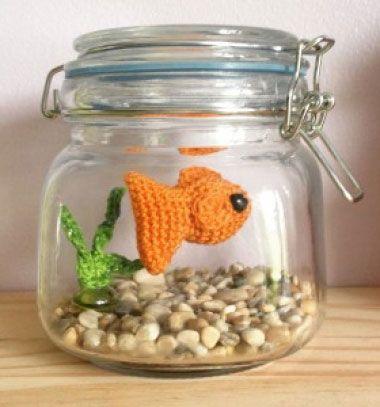 DIY no fuss amigurumi aquarium - free crochet fish pattern // Gondozásmentes akvárium amigurumi halacskával (ingyenes horgolásminta) // Mindy - craft tutorial collection // #crafts #DIY #craftTutorial #tutorial #Upcycling #RecyclingCraft #UpcyclingCraft #MasonJarCraft #Glass