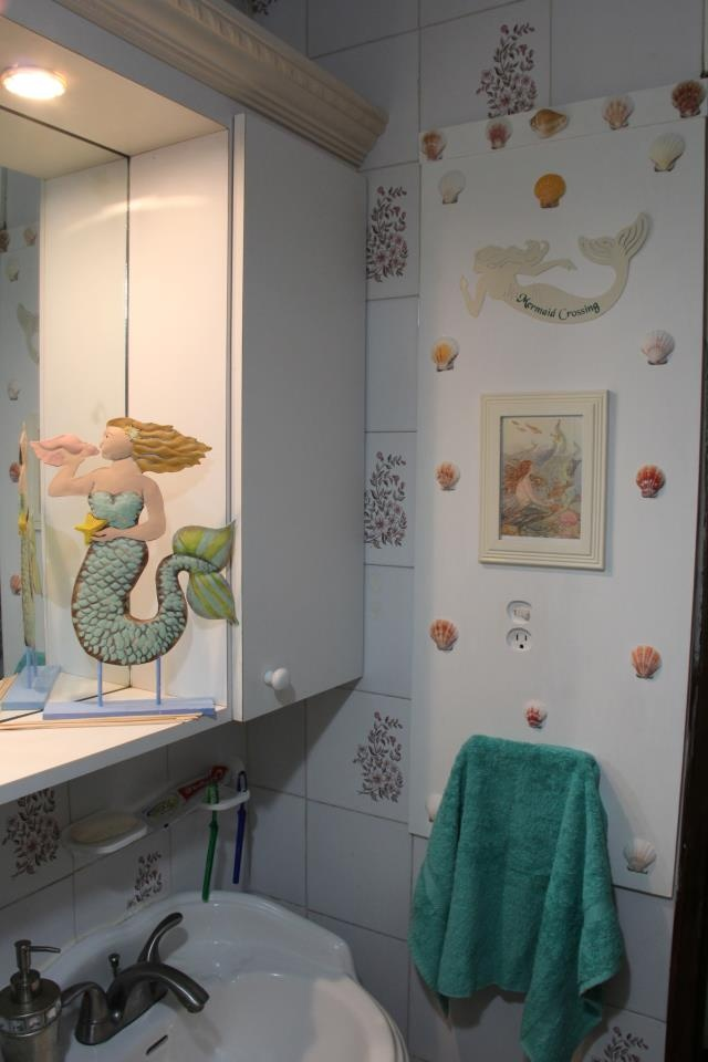 36 best mermaid bathroom ideas images on pinterest