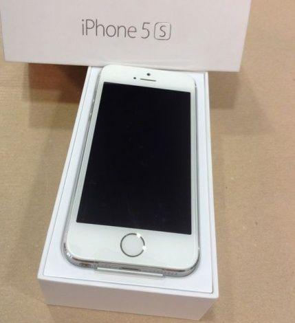 Apple iPhone 5 usato ottime condizioni,compreso di caricatore di rete,cavo dati,scatola. per maggiori dettagli su telefoni-usati.com #iphoneusati #offerteapple #cellulariusati