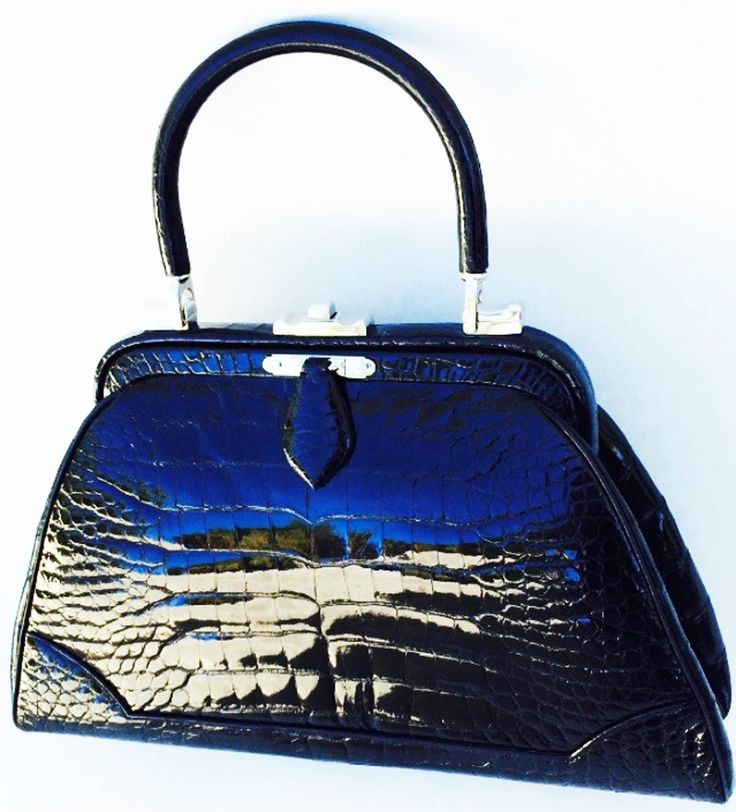 Exquisite Judith Leiber Porosus Crocodile Handbag 1960s 8