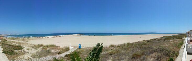 Impresionantes vistas panorámicas de la playa de arena de denia  Espectacular Alquiler Bungalow Denia de 3 dormitorios 109 Aguarrosa 86€ al día  http://www.alquileresdeniasol.com/espectacular-alquiler-bungalow-denia-de-3-dormitorios-109-aguarrosa-86e-al-dia/  pueden consultar todas nuestras promociones en alquileres denia visitando nuestra pagina web, consulta la disponibilidad y reserva en linea ahora.  http://www.alquileresdeniasol.es