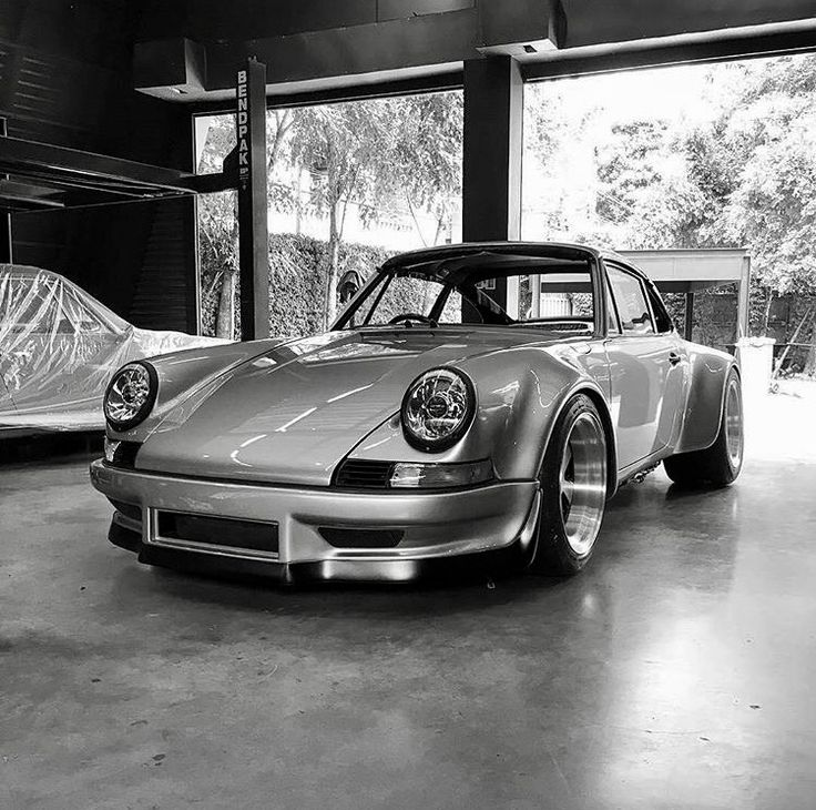 Everything about the most beautiful car in the planet... by a happy owner.