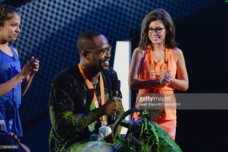 Actress Cree Cicchino, NFL player Von Miller, and actress Madisyn... News Photo | Getty Images