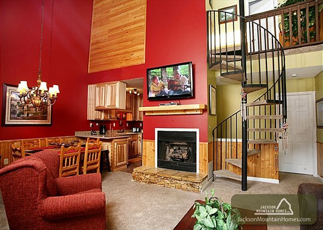 Gatlinburg Village 102 - This is a beautiful 3 bedroom 3 level townhouse! Click here to see more: http://www.jacksonmountainhomes.com/gatlinburg-cabins/rentals/gatlinburg-village-102/325/alpha