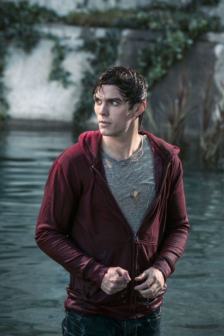 Amazing WARM BODIES |  | Bloody DisgustingBloody Disgusting pic #Warm #Bodies 