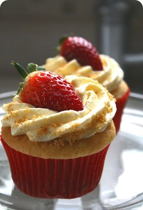 Strawberry Cheesecake Cupcakes these would be amazing for my birthday!