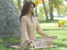 Shilpa Shetty Yoga Pose Wallpaper