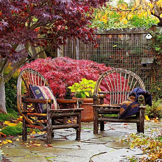Front Yard Focus - Love this furniture style as well.