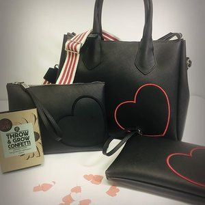 new ❤ new ❤ new ❤  just arrived from #ITALY // contact us directly and we will ship for free 💋  #ellandrubi #gumdesign #valentines #kissingseason #bags #HEART  www.ellaandrubi.com