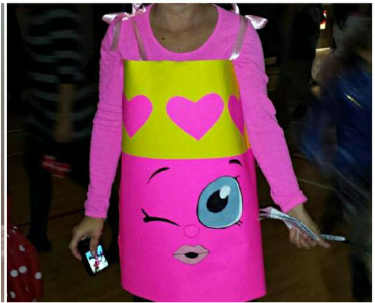 Happy Halloween!!  I just wanted to show you the costume I made this year for myself.......Lippy Lips the Shopkin!! We looked everywhere for a Shopkin costume. It was a big hit yesterday at the...