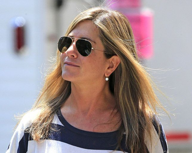 How Jennifer Aniston Feels About Not Wearing Makeup Onscreen