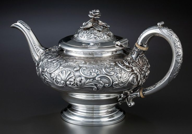 Ceainic de argint