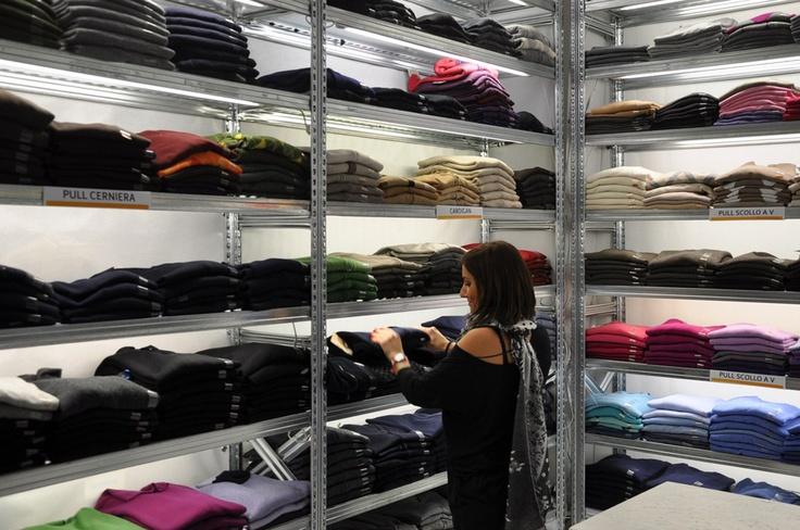 Nuovi arrivi di maglie nel reparto uomo casual ... troverete ad aiutarvi nella scelta Ilenia o le altre ragazze dello staff :)