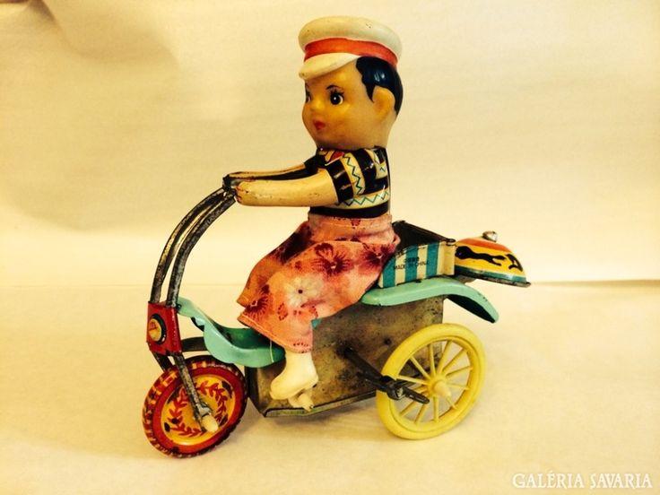 Retro Felhúzható Kínai Triciklis Lemez Játék