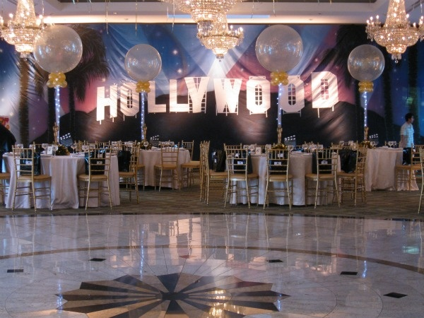 Hollywood theme charity ball in 2019 hollywood party for Hollywood party dekoration