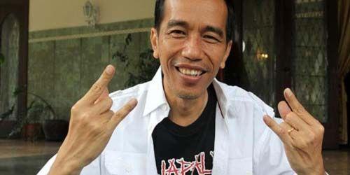 Pengamat Intelijen: Jokowi dikendalikan Zionis  sumber: http://www.arrahmah.com/read/2013/01/26/26315-pengamat-intelijen-jokowi-dikendalikan-zionis.html